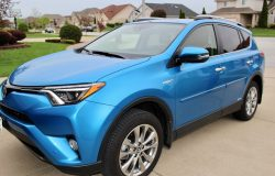 14 Essentials for Your Car & 2017 Toyota RAV4 Review
