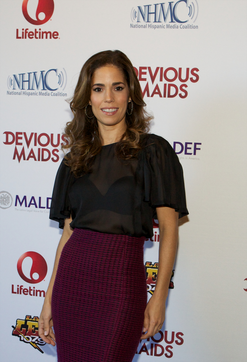 Ana Ortiz Pictures boriquachicks chats with ana ortiz of devious maids